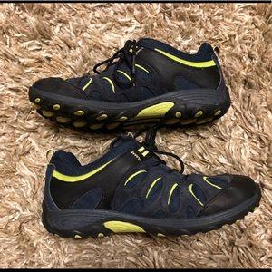 Merrell hiking boots— Boys 5/Women's 7